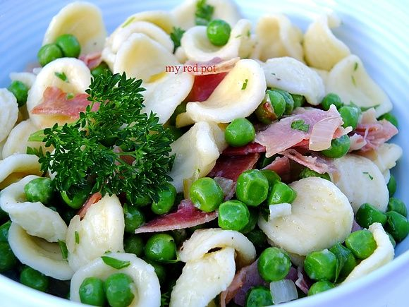 Groszkowo, boczkowo, makaronowa salatka