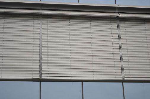 jaluzele pvc - Google+ Plasele de insecte calitative pentru uşi şi ferestre pot asigura liniştea totală a proprietarilor de spaţii rezidenţiale. www.jaluzele-pvc.ro
