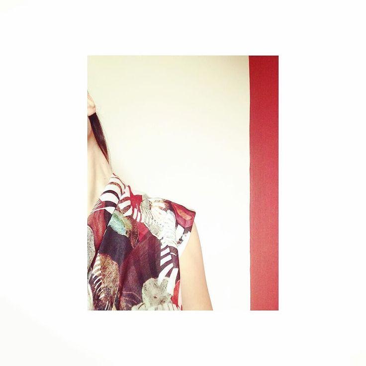Escaping Animal I. #HERSE #limitededition #collectible #scarf #silk #red #soononline #eshop
