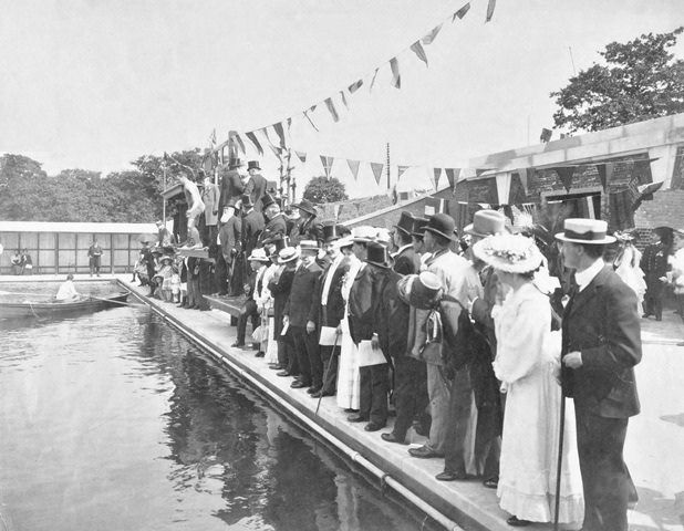 Opening of bathing lake on Tooting Bec Common July 1906