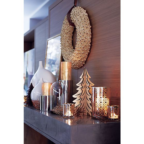 glitter 18 wreath with ribbon in christmas decorating crate and barrel i could make that. Black Bedroom Furniture Sets. Home Design Ideas