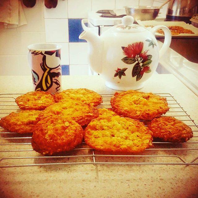 Anzac biscuit goodness. #anzac #vintagecraftschool. Visit https://www.facebook.com/vintagecraftschool/notes for recipe