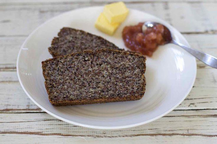 Quinoa and chia seed bread http://simplewellnessfood.com.au/quinoa_chia_bread/