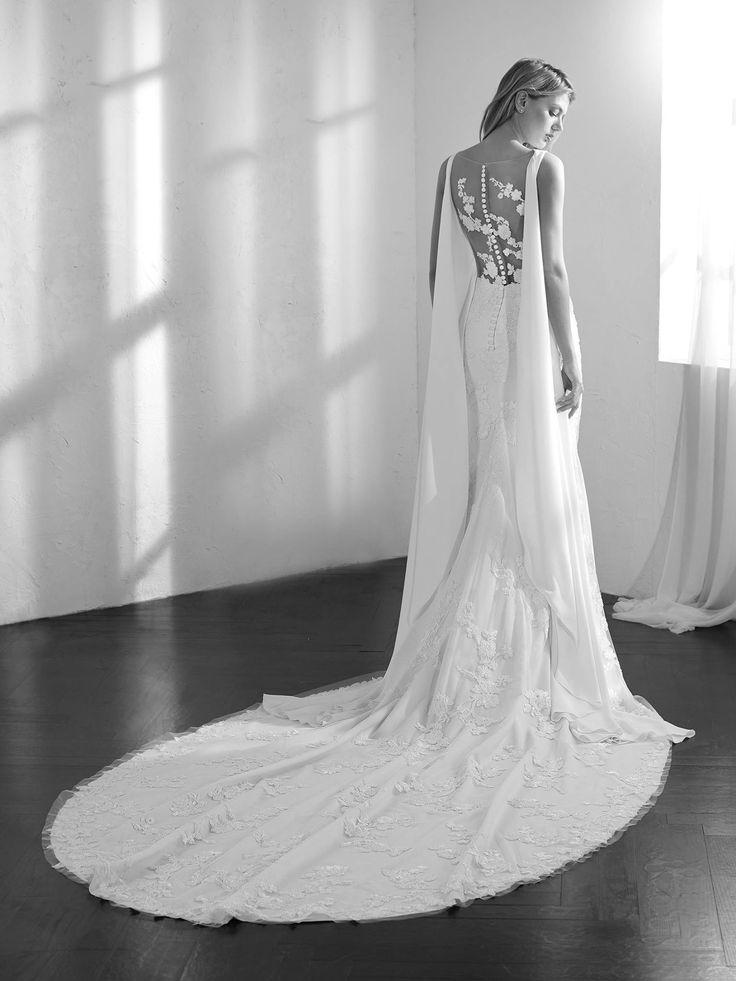 Back of Zaida wedding dress by Studio St. Patrick from Pronovias www.zadikabridal.ie