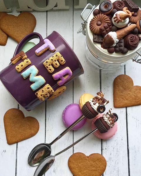 Очередная порция сладостей ☕️ баночка 250 мл-1200 кружка -1100 чайная ложка -500 #кружкиназаказ#кружкисдекором#вкуснаябаночка