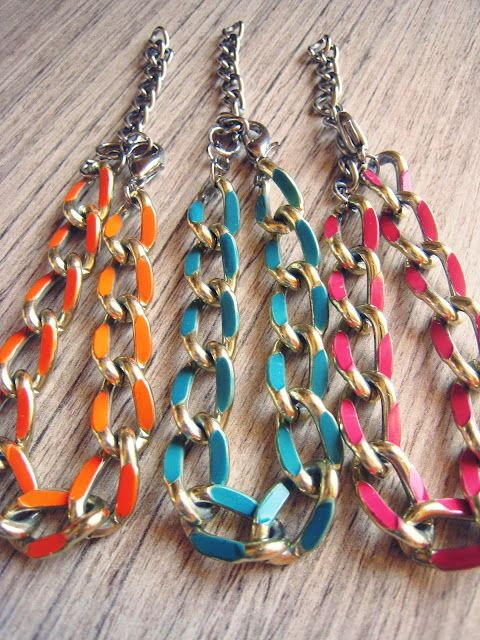 Chain links painted with nail polish-- Great idea!