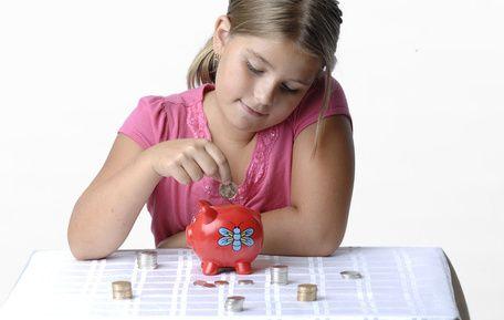 Wprowadzaj dziecko do świata finansów stopniowo, zakładając mu konto bankowe. Analizę oraz aktualny ranking, można przejrzeć na stronie: http://darmowekontobankowe.org/konto-dla-dziecka/
