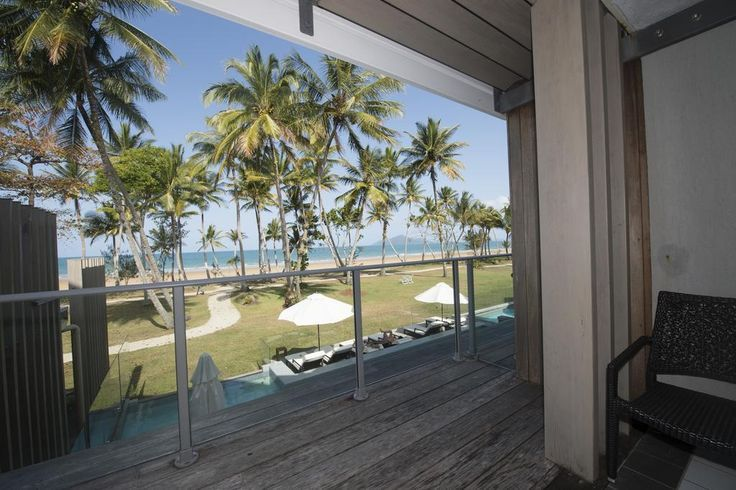 This beach front room with a view is at Mission Beach in Queensland. The best part about Castaway Resort & Spa is being able to walk barefoot across the grass and straight on your beach - its a no shoes required kinda holiday! Click to check prices or book your hotel now!