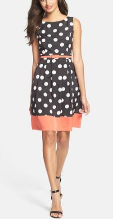 Polka dots & a pop of coral? Yes, please!