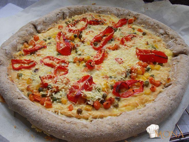 Hozzávalók:15 dkg Naturbit barna rizsliszt7,5 dkg Naturbit köles liszt20 gr Naturbit útifűmaghéj őrlemény10 gr útifűmaghéj1-2 kk sóoregánóbazsalikom2,5 dkg tápióka keményítő3 dl víz+ olaj+ violife sajt a széleibe - reszelve+feltét: mustár rizstejszínnel elkeverve , vegyes zöldség, kápia paprika, reszelt volife sajtElkészítés:A száraz alapanyagokat egy tálban alaposan elkeverjük, majd hozzáadjuk a nedves alapanyagokat, és alaposan összedolgozzuk. Majd