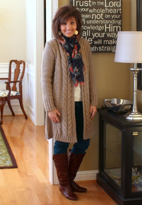 I love this! What she's wearing here is exactly my kinda style. :D Fashion Over 40-Winter Outfits