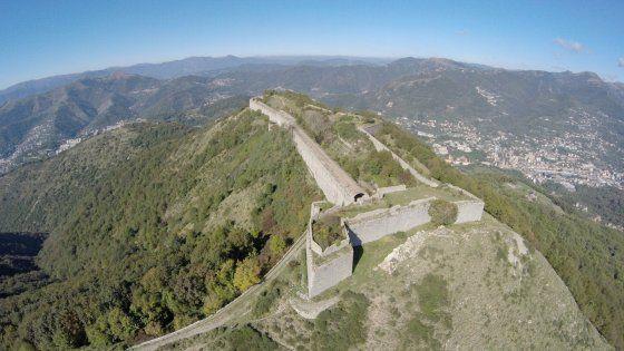 In un libro la storia della città con le immagini dall'alto delle fortificazioni