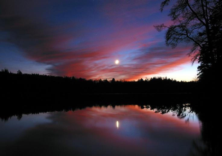 Red sunset, Twitchell Lake
