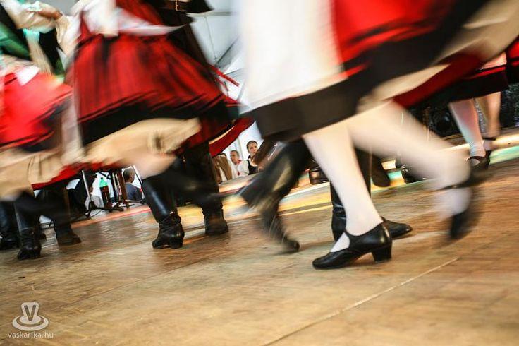 hungarian folk dance- Csíki