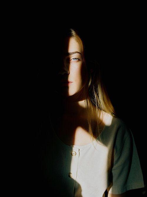 Licht und Schatten kreatives Porträt Inspiration Idee