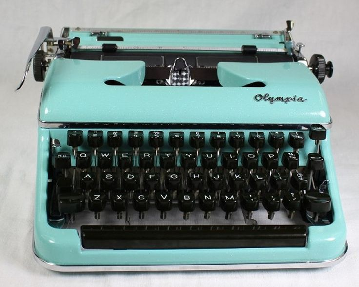 Vintage Typewriter For Sale 20