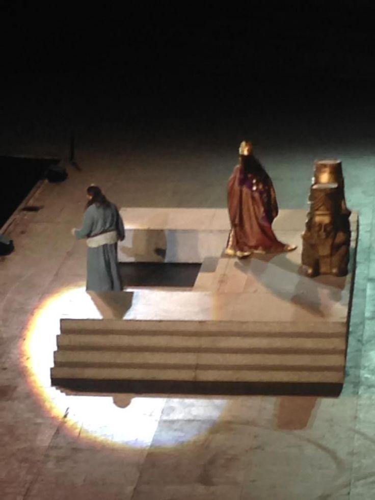 Abigaille inganna #Nabucco e si impossessa del trono #inarena