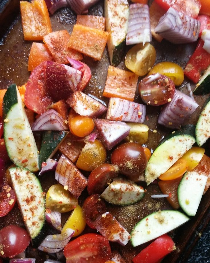 Roasted veggies are delicious on their own but they also make a great addition to sauces, lasagnes, and other pasta dishes. Try them as a garnish on a burger for extra flavour and moisture!