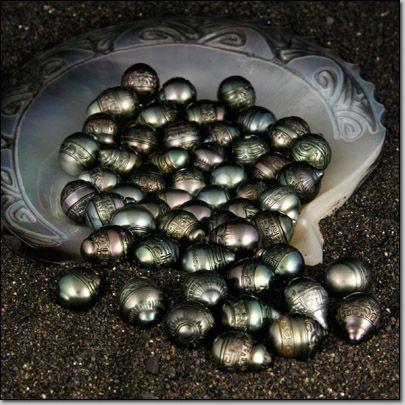 Black Carved Tahitian Pearls from Bora Bora, Tahiti #pearls