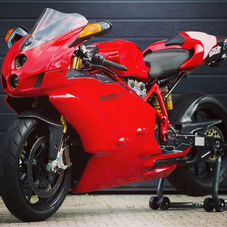 Ducati 999 favorite ducati superbike!                                                                                                                                                                                 More