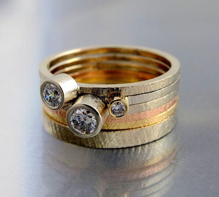 BIZOE komplet złotych pierścionków z brylantami