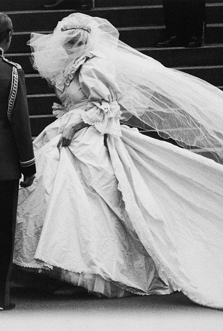 Such a beautiful shot of Diana Spencer on her wedding day to Prince Charles - dress by David and Elizabeth Emanuel, 1981.