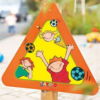 """Schild JAKO-O als """"Warnschild"""" an der Strasse aufstellen..."""