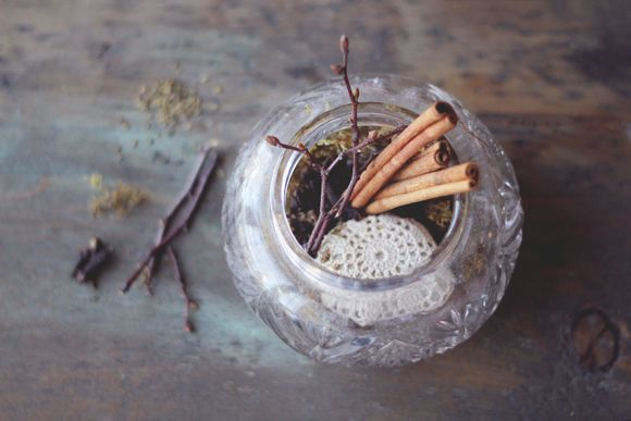 3 Ways To Make Your Home Smell Like Fall | Free People Blog #freepeople