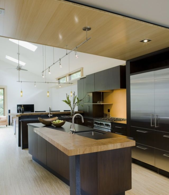 <3 the Layout & Design of this Modern Kitchen