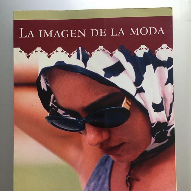 Biblioteca --->> Tutorías en diseño --->> Nuevos títulos!!! ¡Elegí el tuyo! Libros físicos y en PDF.  Por consultas o envíos escribinos.  #manosalaobra #tesis #tesistas #designer #design #diseño #moda #fashion #love #tips #happyness #felicidad #libro #book #biblioteca #bibliography #bibliografia #desdecasa #cursoonline #skype #sinexcusas #agenda #2017 #noviembre #LI #imagen/// Talleres solo para diseñadores ///  Estos talleres son breves e intensivos. Pensado y diagramado para que puedas…