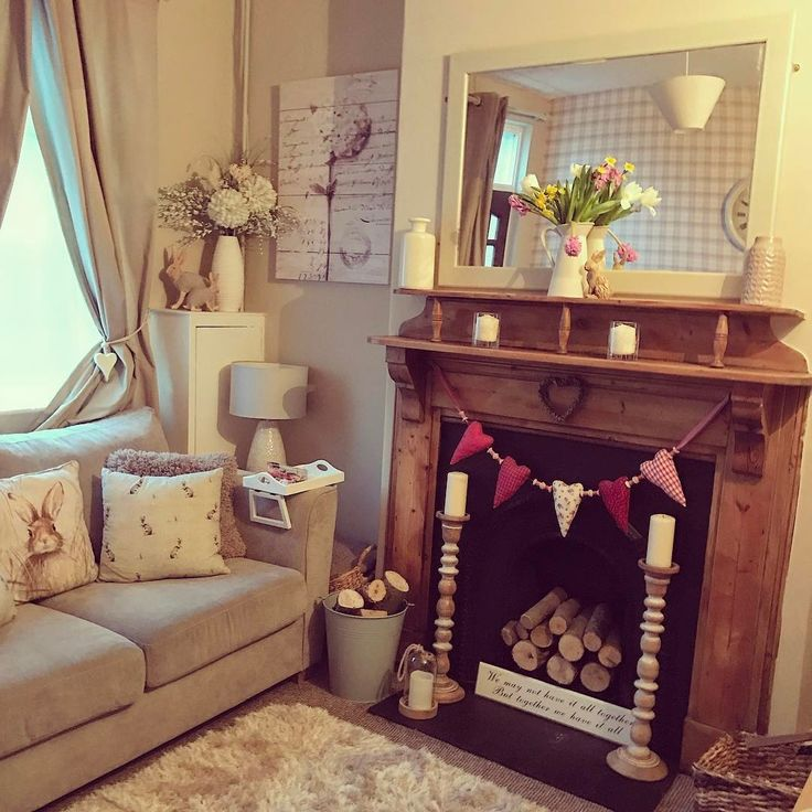 Morning lovelies! I'm loving the newly painted chimney wall and painted mirror. The room feels so fresh now and almost bigger. Lots of jobs to finish and the faffing to do but it's a rainy day here so plenty of time potter around. Enjoy your day! #cottage#myhome#fireplace#homestyle #shabbychic #creamandbeige #fresh#loveit