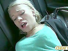 Bir sarışın güzellik Lindsey sürücüsü ile berbat