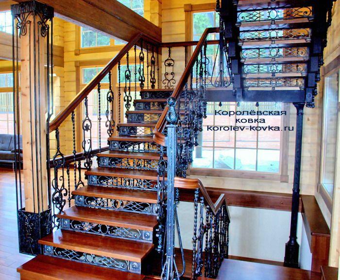 Кованая лестница с перилами П-544