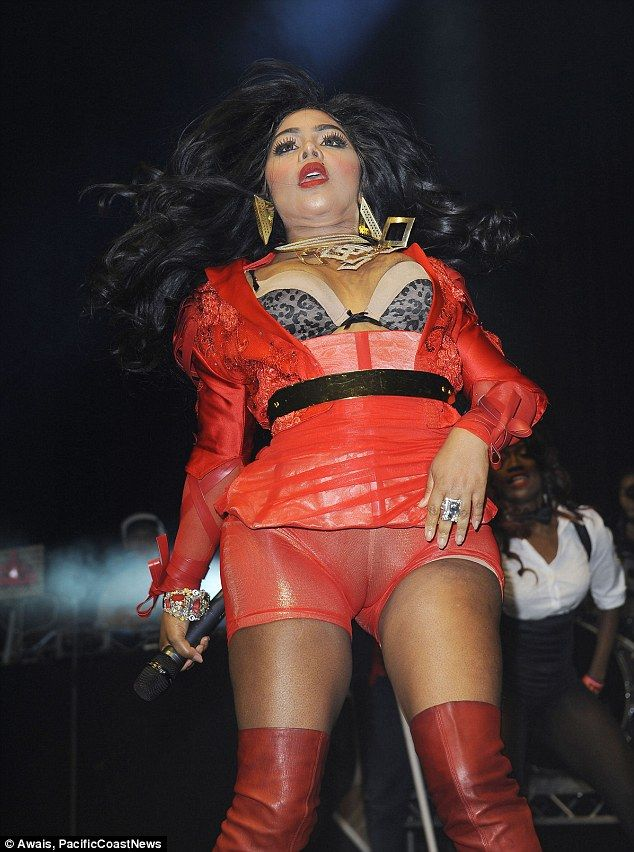 Don't look down: American star Lil' Kim shares way too much with her audience