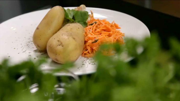 Gevulde kalkoenlapjes met spinazie en aardappel in de schil