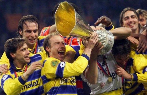 El Parma pone a la venta sus trofeos al mejor postor - El equipo de fútbol italiano Parma ha puesto en venta al mejor postor todos sus trofeos, una medida con la que busca obtener liquidez después de que...
