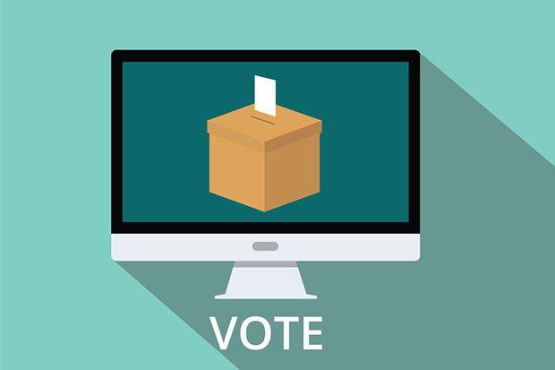 脱多数決──失われた「選挙への信頼」を科学の力で取り戻せ WIRED.jp    その第一歩は、投票者が候補者にランク付けを行い、自身の好き嫌いを詳細に表明できるようにする選好投票(優先順位付投票)だ。ランク付けされた票を集計する方法はいくつかあるが、有名なものには、IRV(Instant-runoff voting:小選挙区単記移譲式、即時決選投票)と呼ばれる方式がある。  IRVでは、得票数が最も少なかった候補者が除外され、この候補者に投票した人の票は、その人が次に選んだ候補者に加算される。そしてこれが、ひとりの候補者が過半数を獲得するまで繰り返されるのだ。