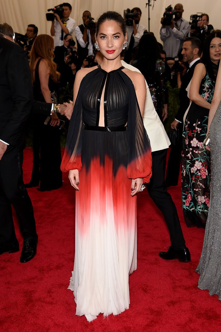 2015 Met Gala: Red Carpet Arrivals - Olivia Munn in J.Mendel
