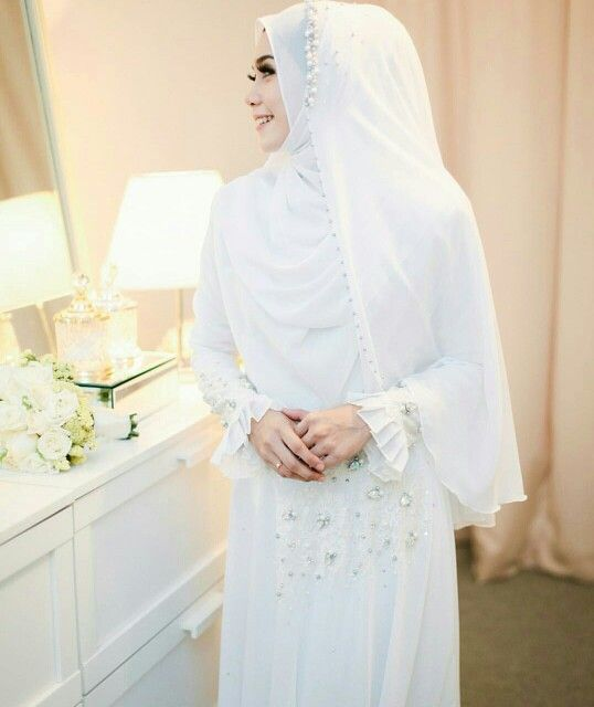 White never goes wrong in a wedding...@adoria.my