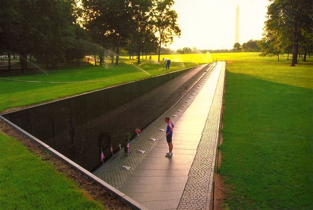 Change Reference: Maya Lin, Vietnam Veterans Memorial | Intro to Contextual Practice