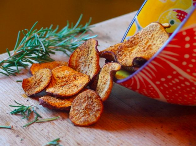 Spicy Baked Sweet Potato Chips | 18 Delicious Homemade Chips That Are Actually Healthy