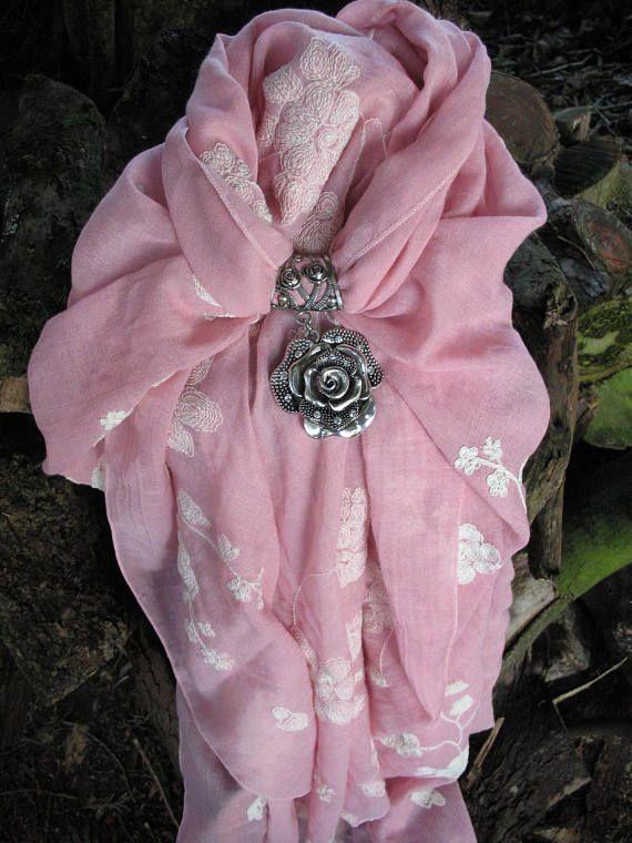 Joyería de la bufanda rosa y flor