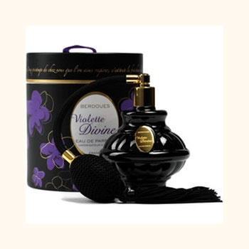 Violettes Divines Parfums Berdoues for women. Love this black bottle and case. For all our #perfume loving #packaging peeps PD