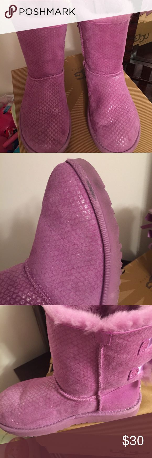 Kids Bailey Bow Splash Uggs Gently worn lavender Uggs for girls UGG Shoes Boots