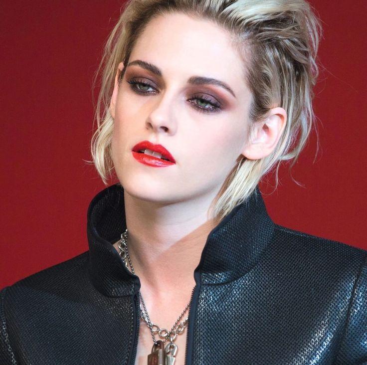 Cheveux blond platine / bouche rouge sang / SMOKY intense dans des tons bruns tirant sur le rouge / pour un look rock and roll - Kristen Stewart -