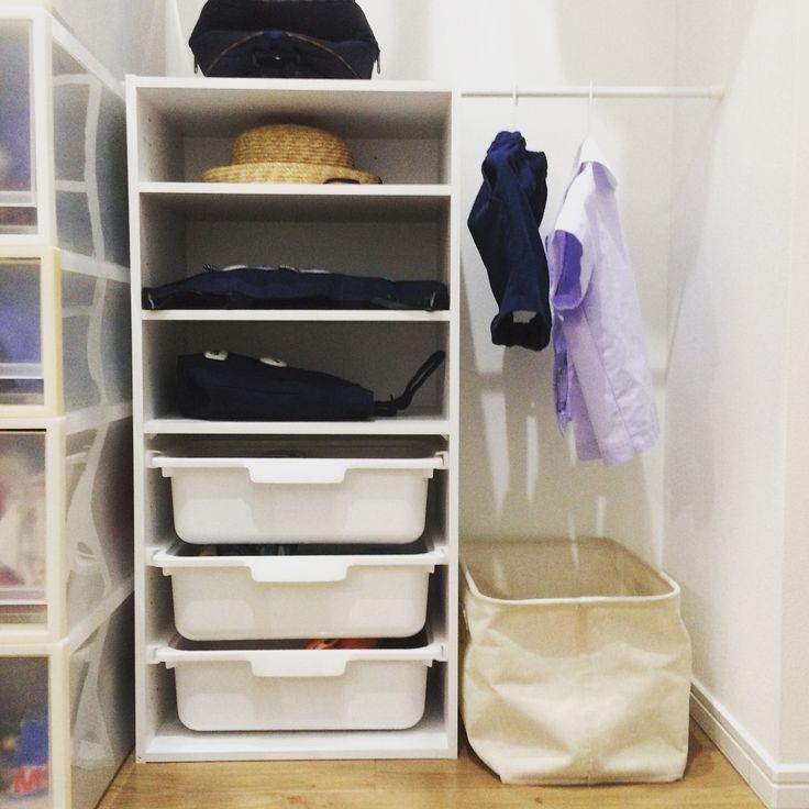 いいね!103件、コメント4件 ― RUMIさん(@rumimin3)のInstagramアカウント: 「入園して約2ヶ月が経ち #幼稚園グッズ収納 を、微妙に見直しました。 ・ ・ 改善点は ★洗濯カゴを大きくした。 ★毎日入れ替えるものを下から二段目にまとめた。…」