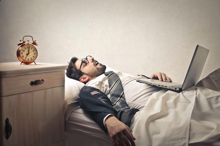 ¿Eres un workaholic? Aptitudes y comportamientos  LAS ÚLTIMAS ENTRADAS  ¿Eres un workaholic? Aptitudes y comportamientos jun 18, 2014   Trabajoadicto o workaholic como se conoce en inglés es un término que se utiliza para definir a las personas que tienen adicción al trabajo.
