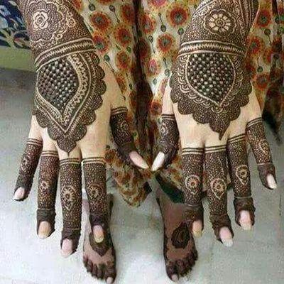 Bridal Mehendi - Beautiful Intricate Hand and Feet Mehendi Design | WedMeGood  #mehendi #wedmegood #bridal #mehendidesign #mehandi #henna #tattoo #indianbride #indianwedding