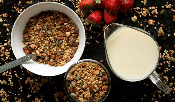 Simple healthy homemade granola  #healthyeats #glutenfree #nutreats