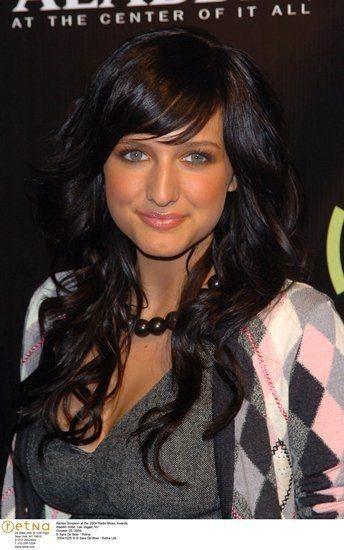 ashlee simpson dark hair....LOVE!!!!